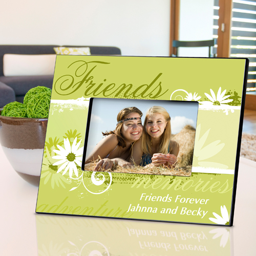Delicate Daisy Personalized Picture Frame For Friends GC739friends