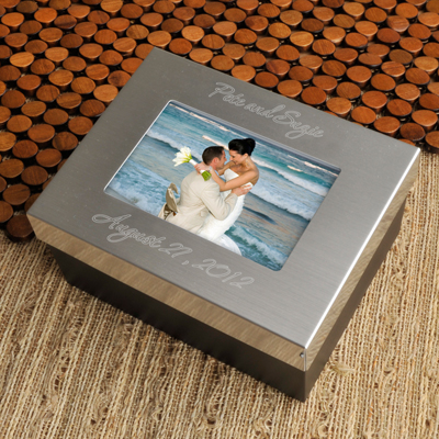 Engraved Silver Wedding Couple Momento Box GC780WEDDING