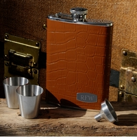 Luxurious Tan Leather Flask Set With Silver Shot Glasses GC902