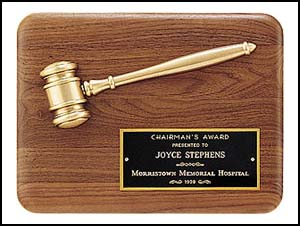 Gold Gavel Walnut Plaque PG1686