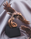 American Eagle Statue Soaring To New Heights RFB137